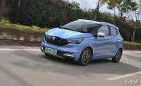 """这台小车有点儿""""仙"""" 试驾江铃易至EV3纯电动"""
