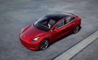 特斯拉Autopilot再升级:数周内推红路灯自动停车功能