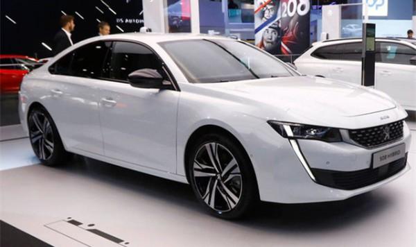 标致三款新能源车型亮相