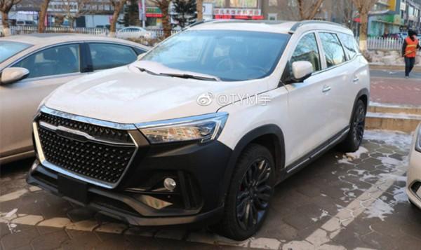 捷途X95路试谍照 三季度上市/中大型SUV