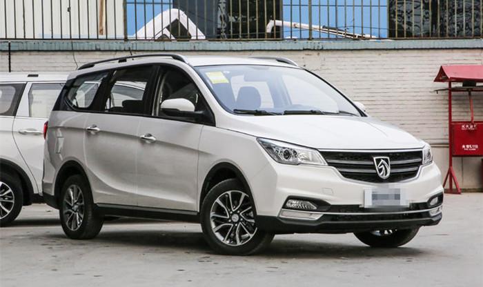宝骏730 CVT版公布预售价 预售8.88万起
