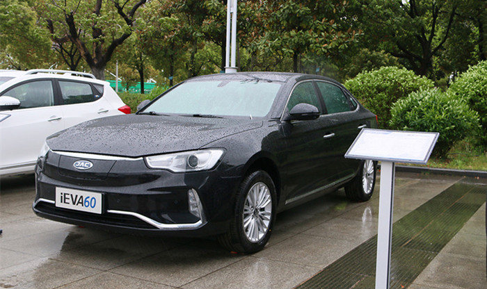 江淮iEVA60正式上市 补贴后售17.95万起