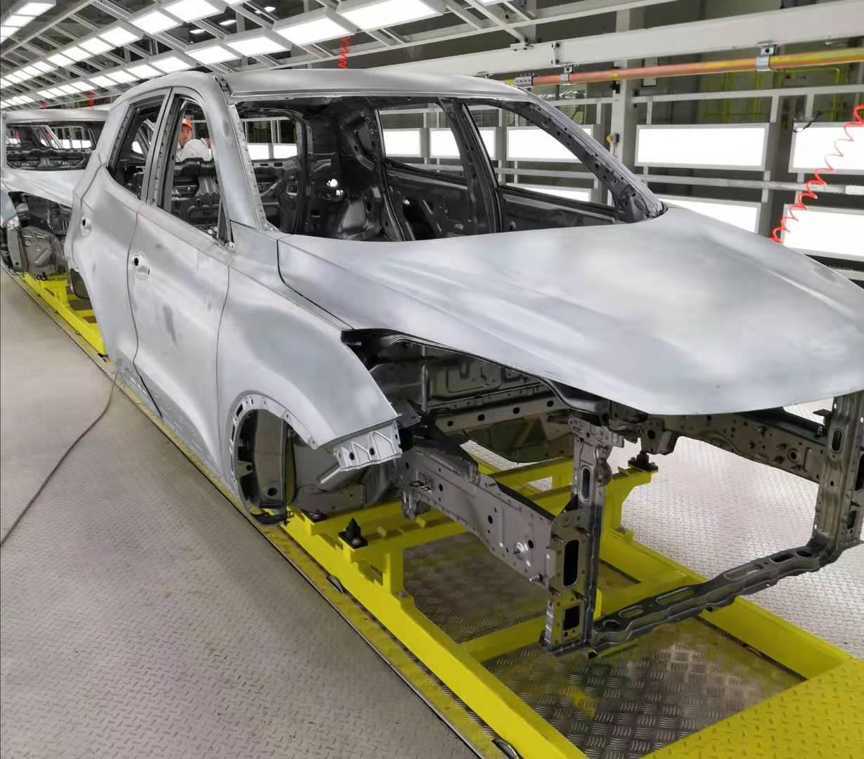 量产在即 凯翼FX11白车身于凯翼智慧工厂下线