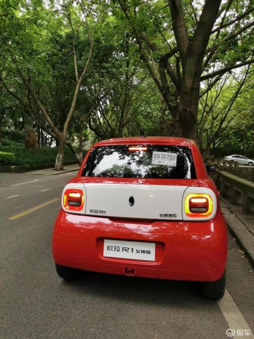 2019款小蚂蚁VS欧拉R1,谁才是城市潮流新宠儿?