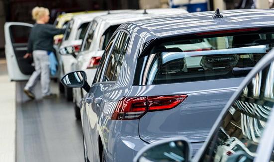 供应链现断裂风险 德国汽车业亟待复工复产