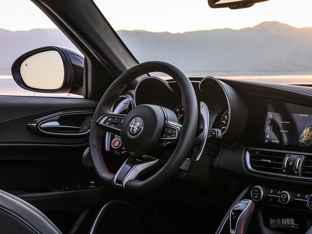 售97.98万 2020款Giulia四叶草版上市
