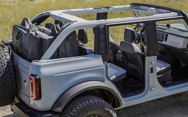 福特Bronco确认使用固定式挡风玻璃设计 与牧马人折叠式不同