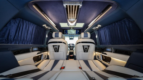 伟昊汽车携五款全球首发新车强势登陆第十九届上海国际车展